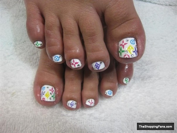 LV toe nail art