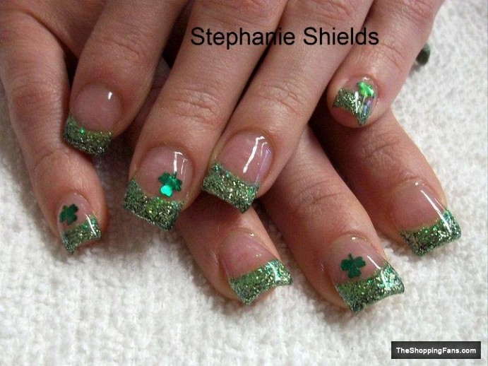 green nail design for St.Patrick day